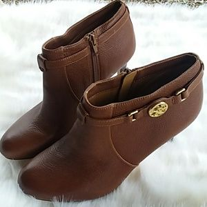 COACH SALENE BROWN ANKLE BOOTS